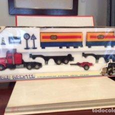Coches a escala: KENWORTH ROAD TRAIN GIFT SET, ESC.1/64, NUEVO A ESTRENAR, VINTAGE - FLA. Lote 175392180
