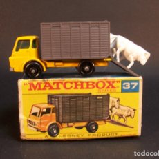 Coches a escala: MATCHBOX SERIES. Nº 37. CATTLE TRUCK LESNEY. MADE IN ENGLAND. 41 G. 6,5 CM. ESTADO 9 SOBRE 10.. Lote 177208303