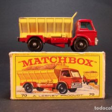 Coches a escala: MATCHBOX. SERIES. Nº70. GRIT SPREADING TRUCK. LESNEY. MADE IN ENGLAND. 45 G. ESTADO 8 SOBRE 10.. Lote 177498202