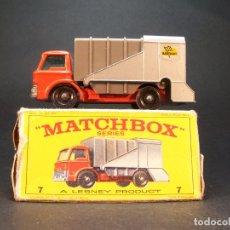 Coches a escala: MATCHBOX SERIES. Nº 7. REFUSE TRUCK. LESNEY. MADE IN ENGLAND. 53 G. 7 CM. ESTADO 8 SOBRE 10.. Lote 177662329