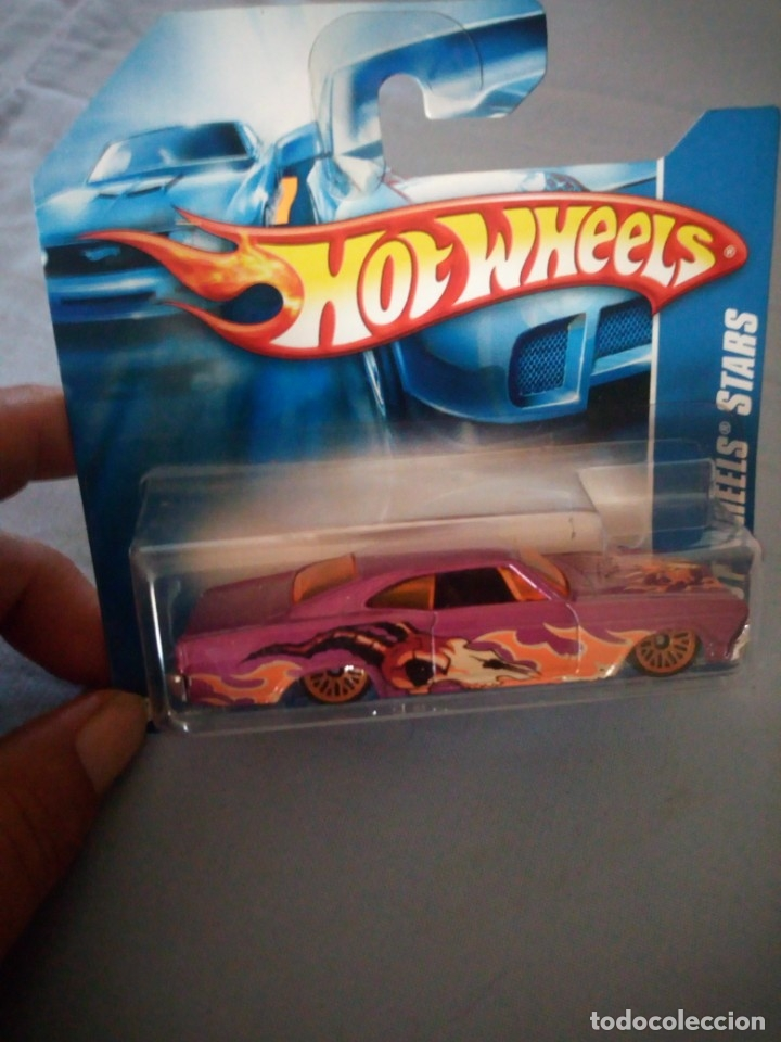 Coches a escala: Hot Wheels 2008 Stars 65 Chevy Impala - Foto 2 - 177674513