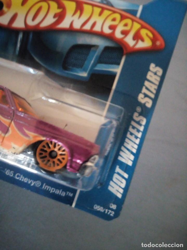 Coches a escala: Hot Wheels 2008 Stars 65 Chevy Impala - Foto 4 - 177674513