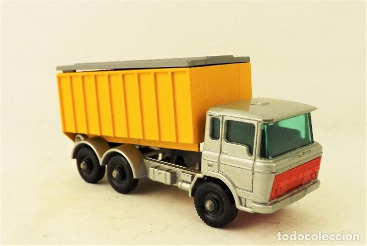 Coches a escala: Matchbox nº 47 Camión contenedor basculante con caja (Falta una solapita) - Foto 2 - 177675907