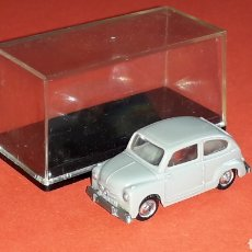Coches a escala: SEAT 600 GRIS REF. 2036, PLÁSTICO ESC. 1/87 H0, EKO MADE IN SPAIN, ORIGINAL AÑOS 60.. Lote 177702139