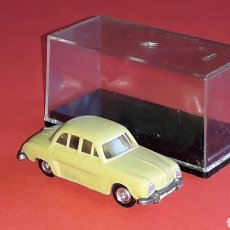 Coches a escala: RENAULT DAUPHINE REF. 2025, PLÁSTICO ESC. 1/87 H0, EKO MADE IN SPAIN, ORIGINAL AÑOS 60.. Lote 177727354