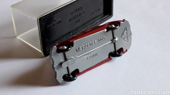 Coches a escala: Mercedes 300 ref. 2003, plástico esc. 1/87 H0, EKO made in Spain, original años 60. - Foto 7 - 177733049