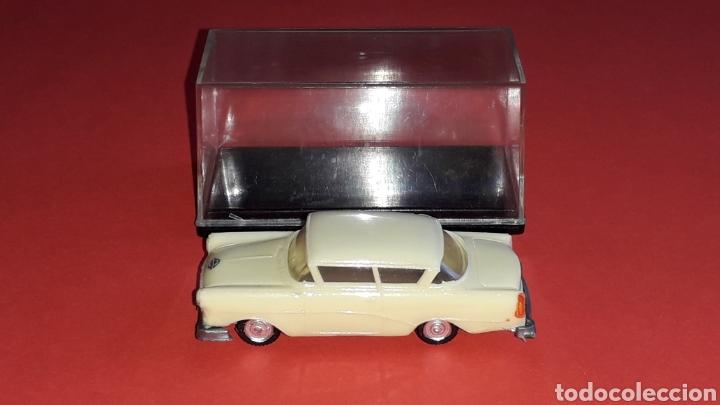 Coches a escala: Opel Rekord ref. 2039, plástico esc. 1/87 H0, EKO made in Spain, original años 60. - Foto 2 - 177738352