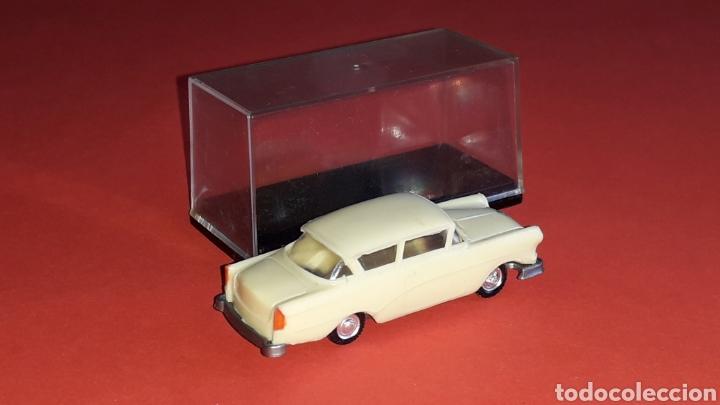 Coches a escala: Opel Rekord ref. 2039, plástico esc. 1/87 H0, EKO made in Spain, original años 60. - Foto 4 - 177738352
