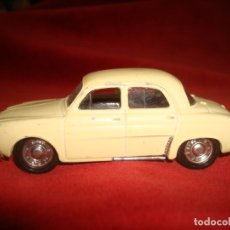 Auto in scala: RENAULT DAUPHINE SOLIDO 1/43. Lote 177829964