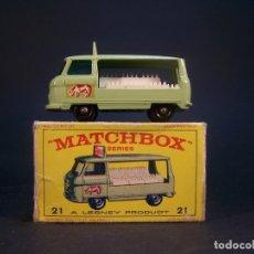 Coches a escala: MATCHBOX SERIES. Nº 21. COMMER BOTTLE FLOAT. MADE IN ENGLAND. 32 G. 5,5 CM. ESTADO 9 SOBRE 10.. Lote 178225003