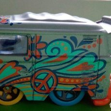 Coches a escala: HOT WHEELS VW KOOL KOMBI. Lote 178983395