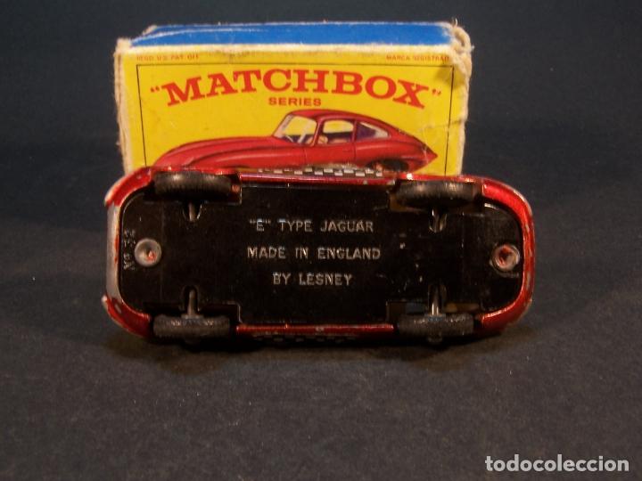 Coches a escala: Matchbox series. Nº 32. Jaguar Type E. Made in England. 29 g. 6,5 cm. Estado 7 sobre 10. - Foto 6 - 179318818