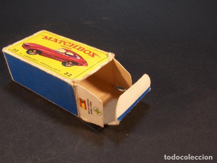 Coches a escala: Matchbox series. Nº 32. Jaguar Type E. Made in England. 29 g. 6,5 cm. Estado 7 sobre 10. - Foto 7 - 179318818
