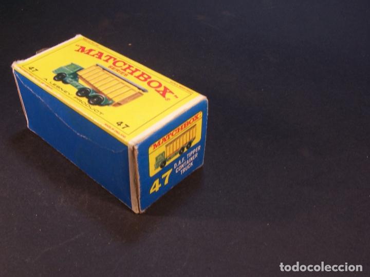 Coches a escala: Matchbox series. Nº 47. Tipper container truck. Made in England. 60 g. 7,5 cm. Estado 9 sobre 10. - Foto 8 - 179328811