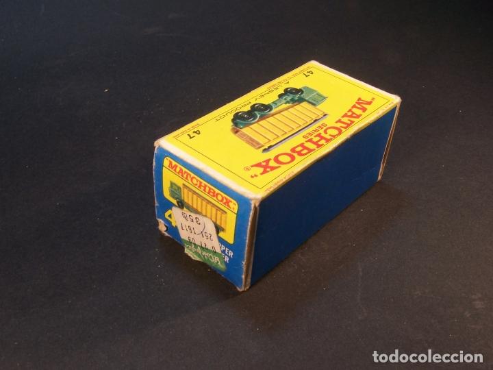 Coches a escala: Matchbox series. Nº 47. Tipper container truck. Made in England. 60 g. 7,5 cm. Estado 9 sobre 10. - Foto 9 - 179328811