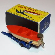 Coches a escala: LANCHA SPORTS BOAT AND TRAILER REF. 48, MIDE 6,5 CMS. LESNEY MATCHBOX ENGLAND, ORIGINAL AÑO 1961.. Lote 182126266