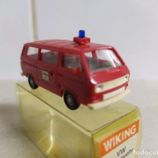 Coches a escala: VOLKSWAGEN T3 , MICROBÚS BOMBEROS , WIKING REF. 12 603. Lote 184405986