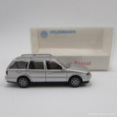 Coches a escala: WIKING VW PASSAT III VARIANT (TYP B4) 1993-1996 GRIS MET ESCALA 1/87 H0 (3495). Lote 189193241