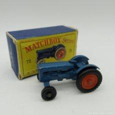 Coches a escala: FORDSON MAJOR TRACTOR, LESNEY MATCHBOX SERIES NÚMERO 72 ESCALA 1/62 AÑOS 1959 - 66. Lote 189772747