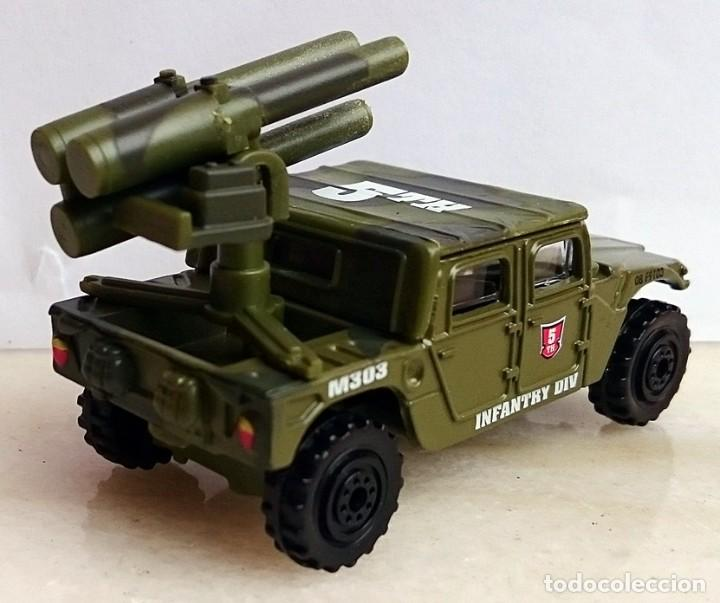 Coches a escala: OBSOLETO VEHICULO MILITAR JEEP HUMMER INFANTRY DIV 1/64 O SIMILAR - Foto 3 - 190295698