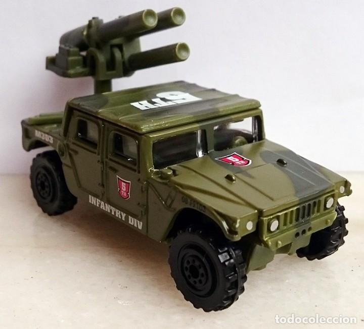 Coches a escala: OBSOLETO VEHICULO MILITAR JEEP HUMMER INFANTRY DIV 1/64 O SIMILAR - Foto 4 - 190295698