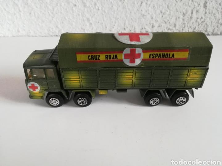 Coches a escala: Camión Pegaso Cruz Roja Española - Fabricado por Mira - Miniatura Escala 1/64 - Militar Ejército - Foto 2 - 194224816