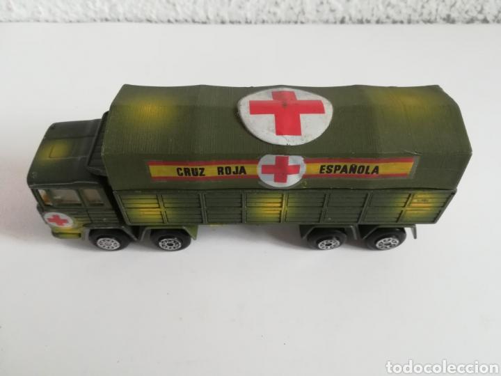 Coches a escala: Camión Pegaso Cruz Roja Española - Fabricado por Mira - Miniatura Escala 1/64 - Militar Ejército - Foto 3 - 194224816