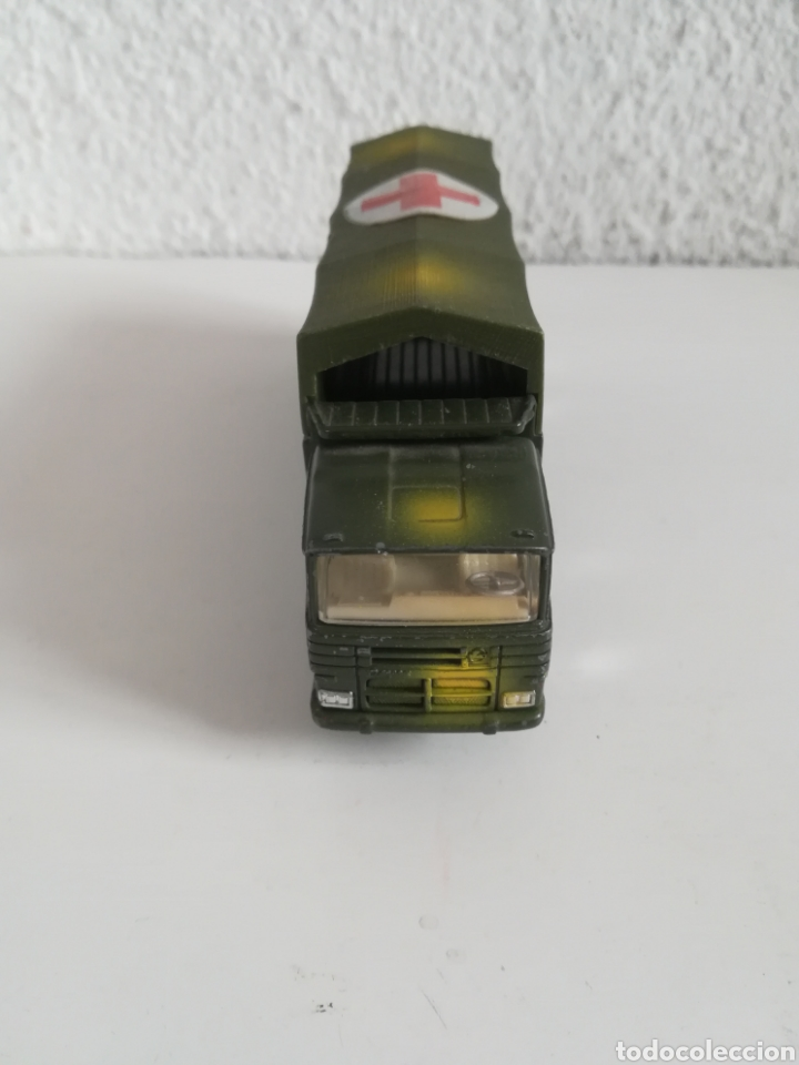 Coches a escala: Camión Pegaso Cruz Roja Española - Fabricado por Mira - Miniatura Escala 1/64 - Militar Ejército - Foto 7 - 194224816