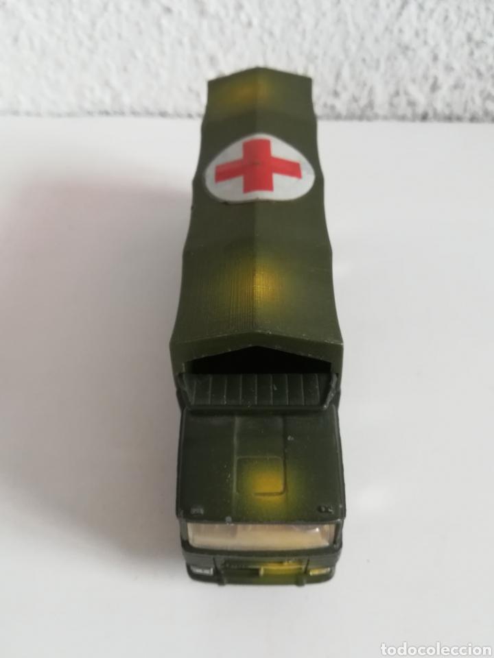 Coches a escala: Camión Pegaso Cruz Roja Española - Fabricado por Mira - Miniatura Escala 1/64 - Militar Ejército - Foto 10 - 194224816