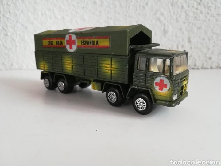 Coches a escala: Camión Pegaso Cruz Roja Española - Fabricado por Mira - Miniatura Escala 1/64 - Militar Ejército - Foto 11 - 194224816