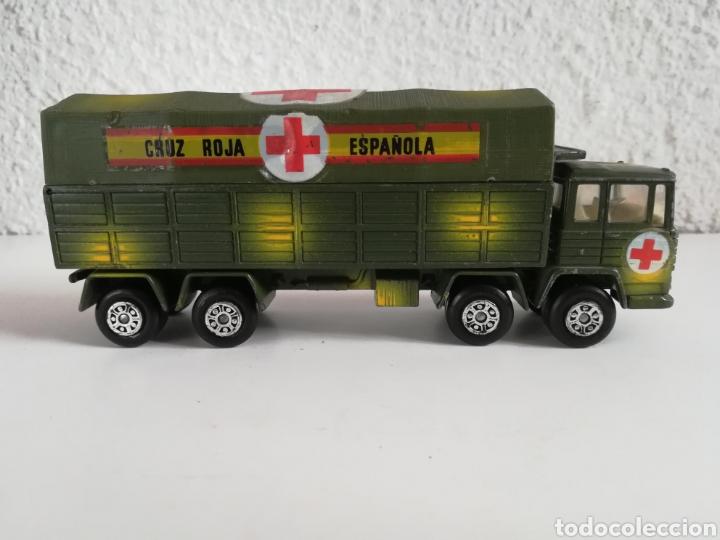 Coches a escala: Camión Pegaso Cruz Roja Española - Fabricado por Mira - Miniatura Escala 1/64 - Militar Ejército - Foto 13 - 194224816