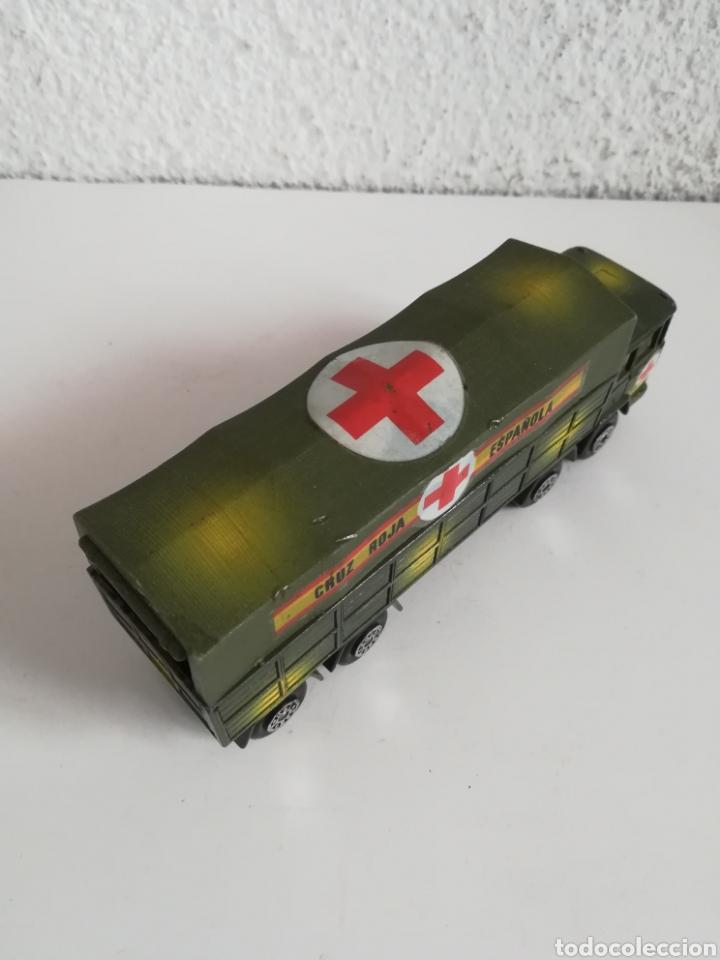 Coches a escala: Camión Pegaso Cruz Roja Española - Fabricado por Mira - Miniatura Escala 1/64 - Militar Ejército - Foto 16 - 194224816