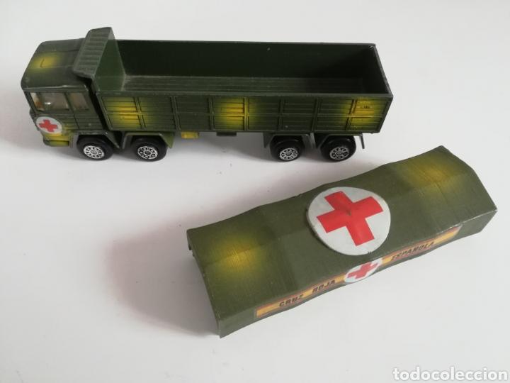 Coches a escala: Camión Pegaso Cruz Roja Española - Fabricado por Mira - Miniatura Escala 1/64 - Militar Ejército - Foto 22 - 194224816