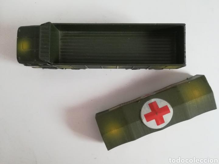Coches a escala: Camión Pegaso Cruz Roja Española - Fabricado por Mira - Miniatura Escala 1/64 - Militar Ejército - Foto 23 - 194224816