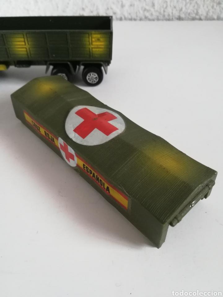 Coches a escala: Camión Pegaso Cruz Roja Española - Fabricado por Mira - Miniatura Escala 1/64 - Militar Ejército - Foto 25 - 194224816