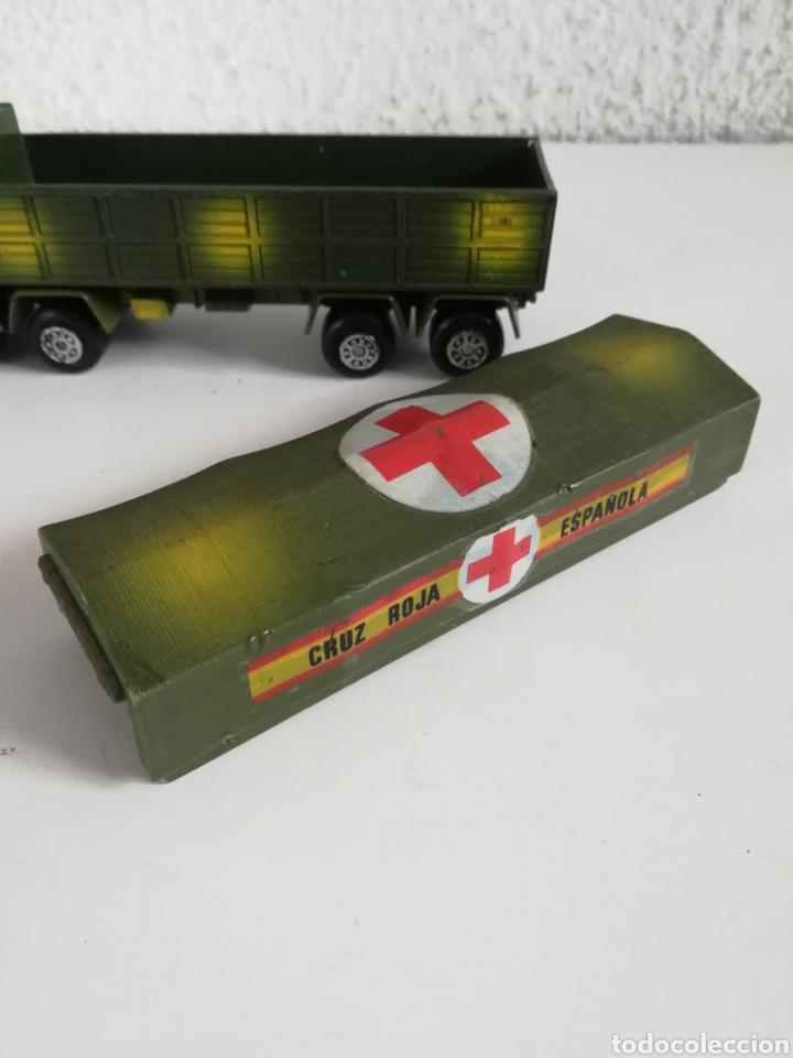 Coches a escala: Camión Pegaso Cruz Roja Española - Fabricado por Mira - Miniatura Escala 1/64 - Militar Ejército - Foto 26 - 194224816