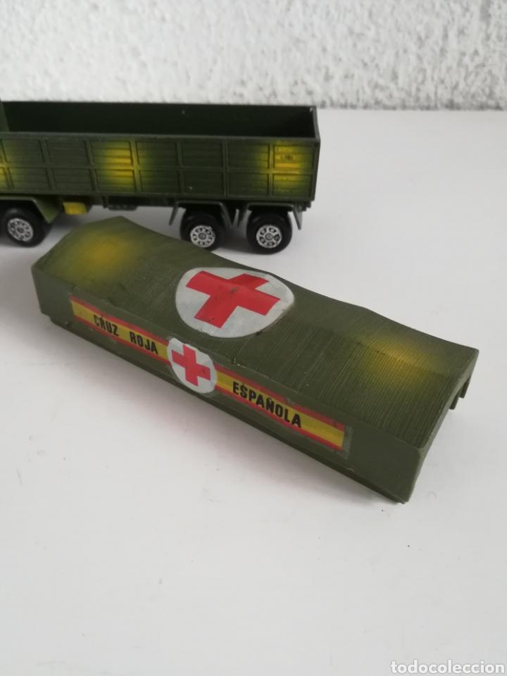 Coches a escala: Camión Pegaso Cruz Roja Española - Fabricado por Mira - Miniatura Escala 1/64 - Militar Ejército - Foto 27 - 194224816