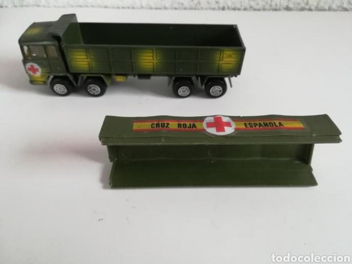 Coches a escala: Camión Pegaso Cruz Roja Española - Fabricado por Mira - Miniatura Escala 1/64 - Militar Ejército - Foto 28 - 194224816