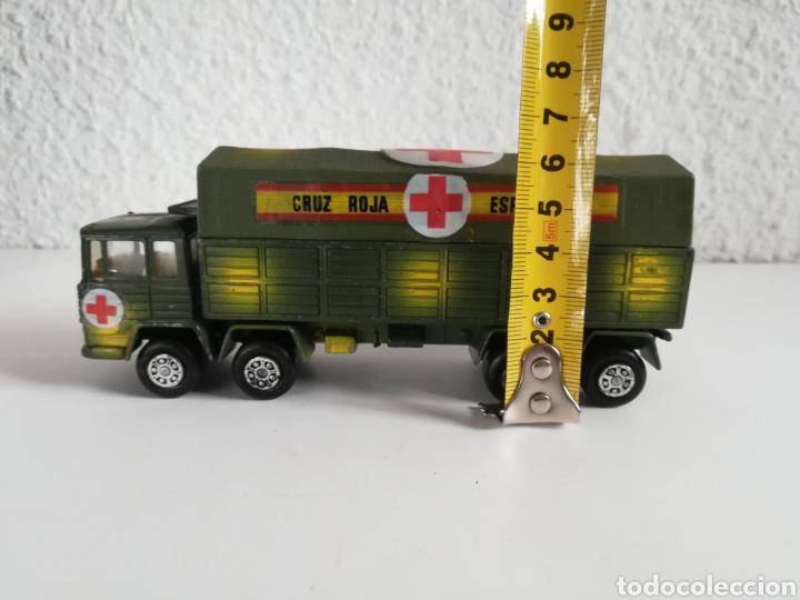 Coches a escala: Camión Pegaso Cruz Roja Española - Fabricado por Mira - Miniatura Escala 1/64 - Militar Ejército - Foto 35 - 194224816