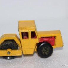 Coches a escala: BOMAG ROAD ROLLER MATCHBOX. RODILLO COMPACTADOR. Lote 194330021