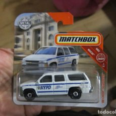 Coches a escala: MATCHBOX - '00 CHEVY SUBURBAN NEW YORK POLICE NYPD. Lote 194369717