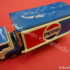 Coches a escala: MATCHBOX SUPER KINGS. FORD CAMION PEPSI. Lote 194670433