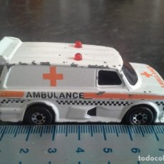 Coches a escala: AMBULANCIA FORD SUPERVAN II MATCHBOX ESCALA 1/62 ECHO EN MACAU 1985. COCHE. Lote 194975836