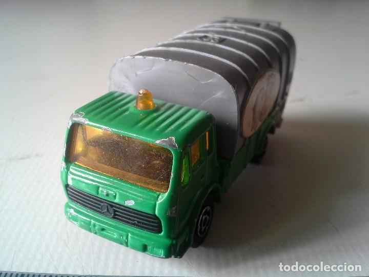 Coches a escala: camion de basura mercedes de majorette - Foto 2 - 195342720