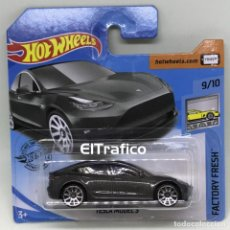 Coches a escala: HOT WHEELS TESLA MODEL 3 GRIS 1:64 HOTWHEELS 2020 / (5). Lote 195409966
