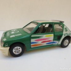 Coches a escala: PEUGEOT 205 TURBO BENETTON - ESCALA 1/25 - BURAGO - MADE IN ITALY. Lote 197051936