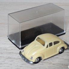 Coches a escala: VW VOLKSWAGEN KÄFER BEETLE REF. 2001, PLÁSTICO ESC. 1/87 H0, EKO MADE IN SPAIN, ORIGINAL AÑOS 60.. Lote 198641180