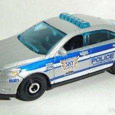 Coches a escala: FORD POLICE INTERCEPTOR MATCHBOX ESCALA 1:64. Lote 199075856
