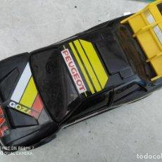 Coches a escala: COHE JUGUETE PEUGEOT TOTAL AUTOPISTA DE GOZAN. Lote 200096082