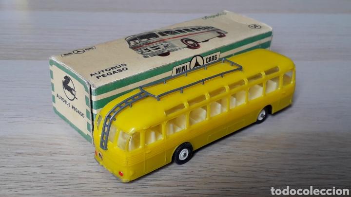 Coches a escala: Autobus Pegaso *Amarillo* ref. 59, plástico esc. 1/86 H0, Anguplas Mini-Cars, original 1960. - Foto 4 - 200865818